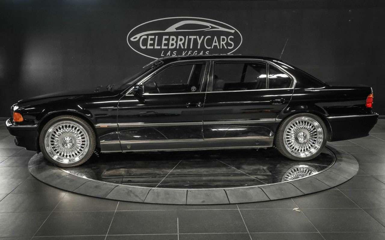 BMWзастреленного Тупака никак непродадут— все дело вдырках— фото 1059702