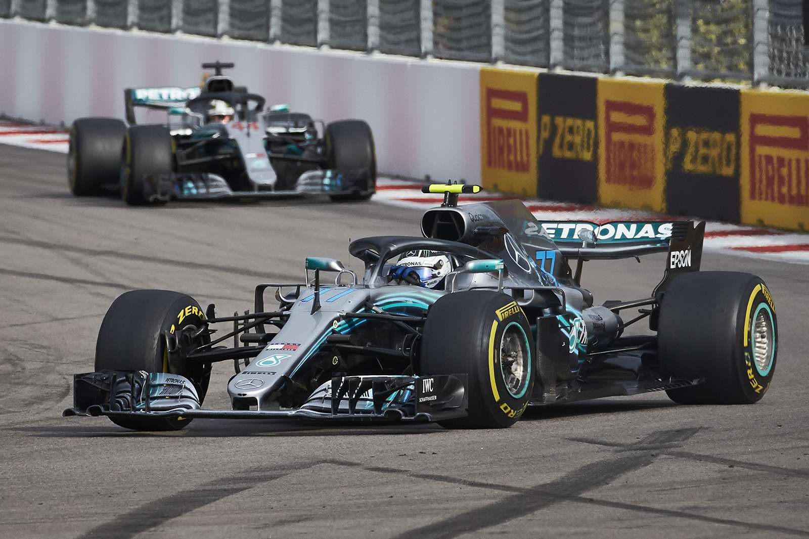 Формула 1: Mercedes освистали наГран-При России— фото 909880
