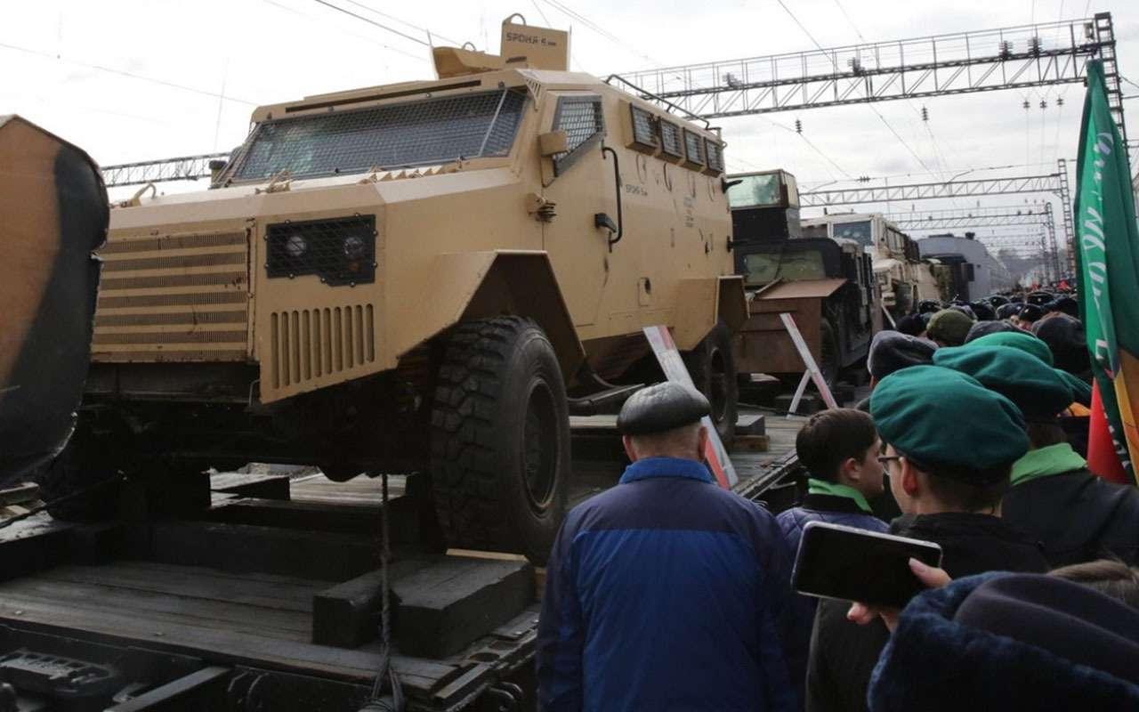 Передвижная выставка трофейного оружия «Сирийский перелом» прибыла вКрасноярск— фото 963714