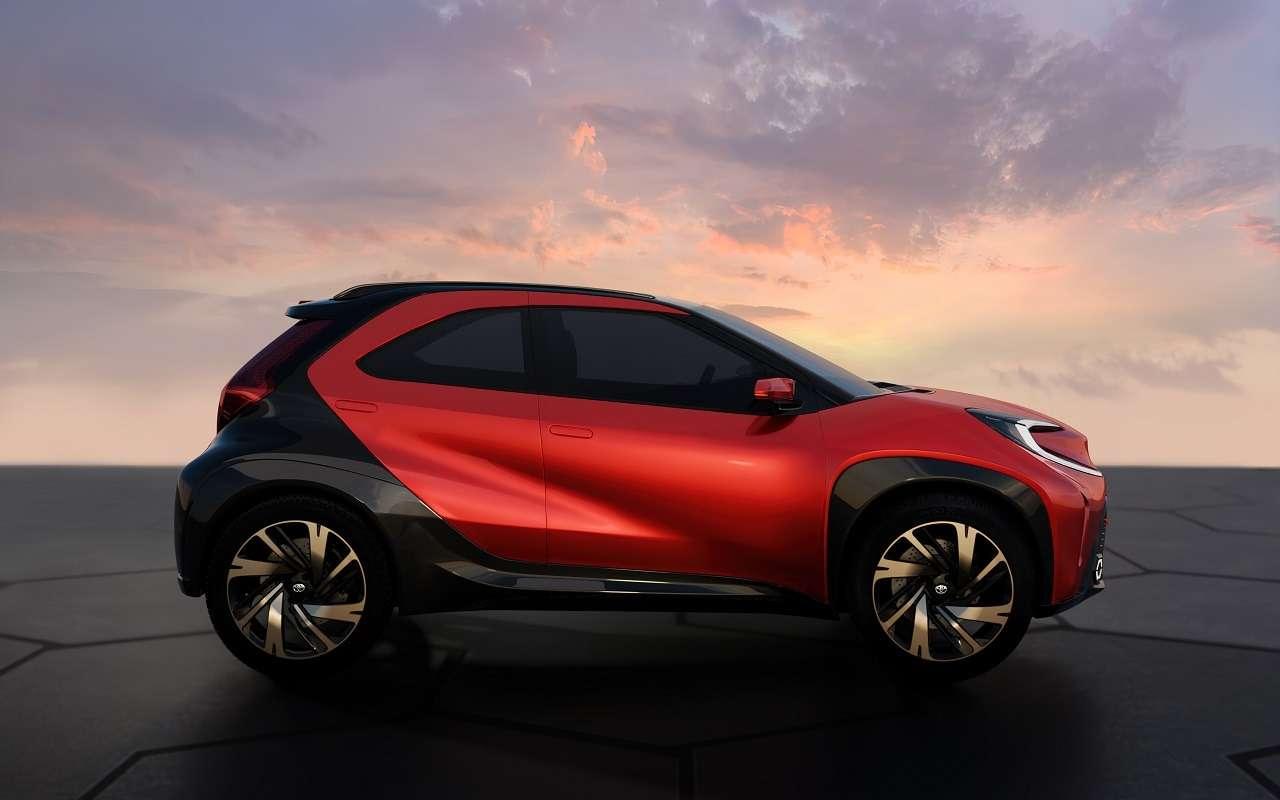 Новый компакт-кроссовер Toyota— первые официальные фото— фото 1232076