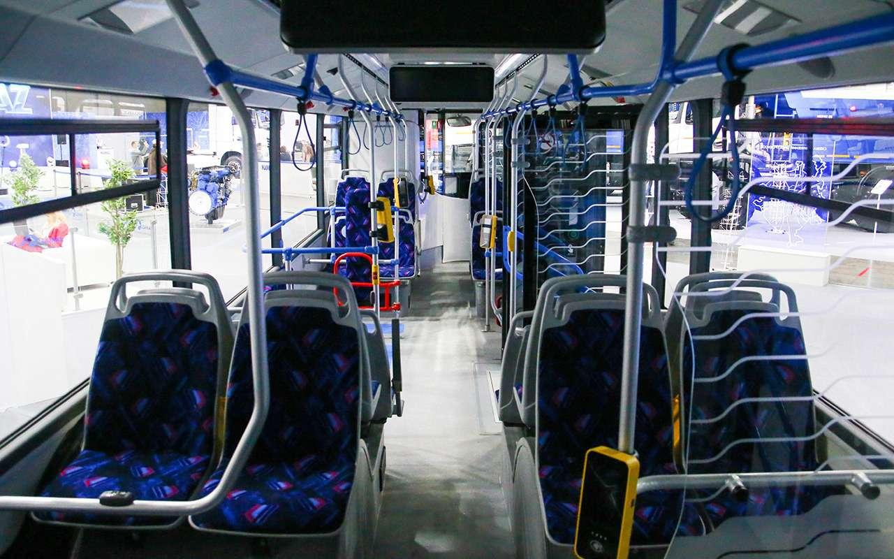 5 перспективных автобусов наCOMTRANS 2021(+троллейбус КАМАЗ)— фото 1276391
