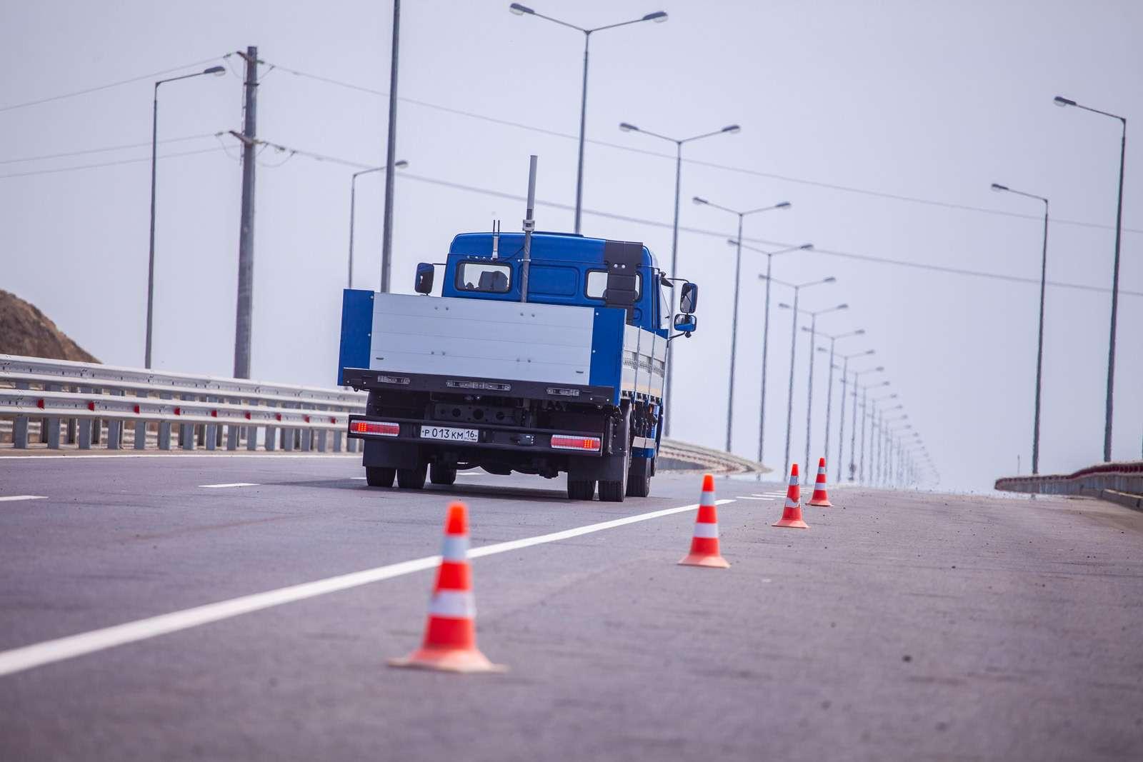 Нароссийских дорогах испытали беспилотные автомобили. Выне поверите где!— фото 868743