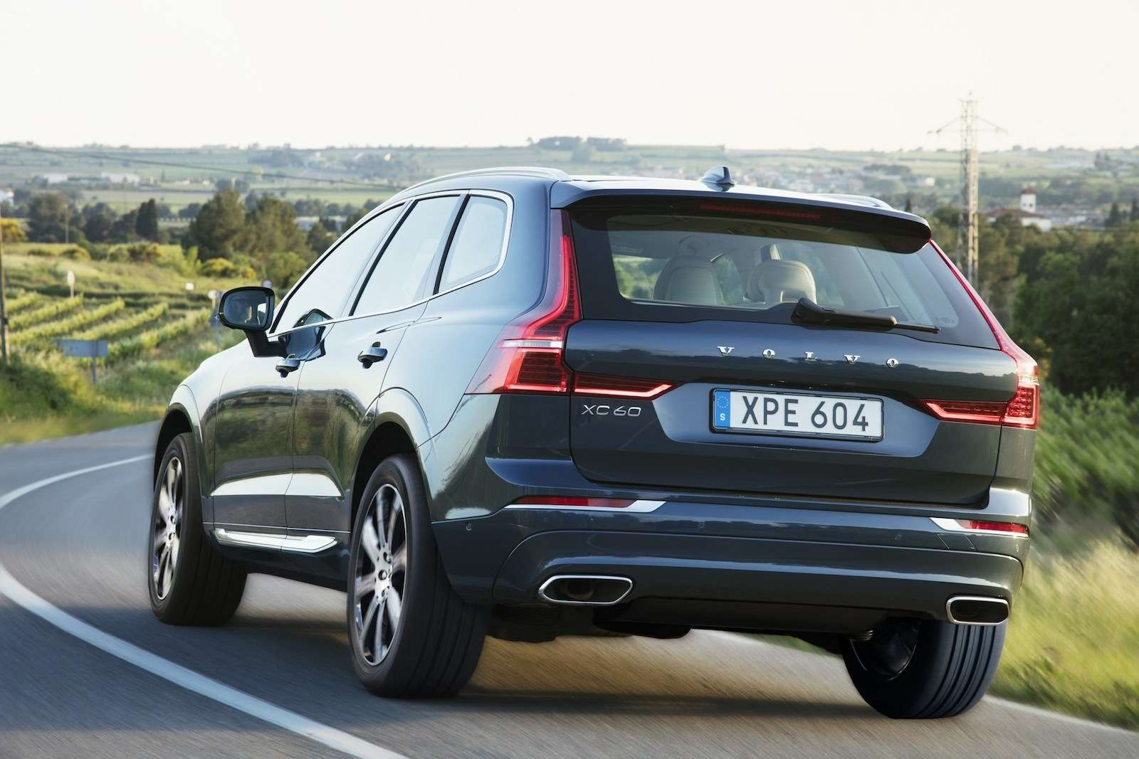 Volvo удивила ценником нановый XC60— фото 804973