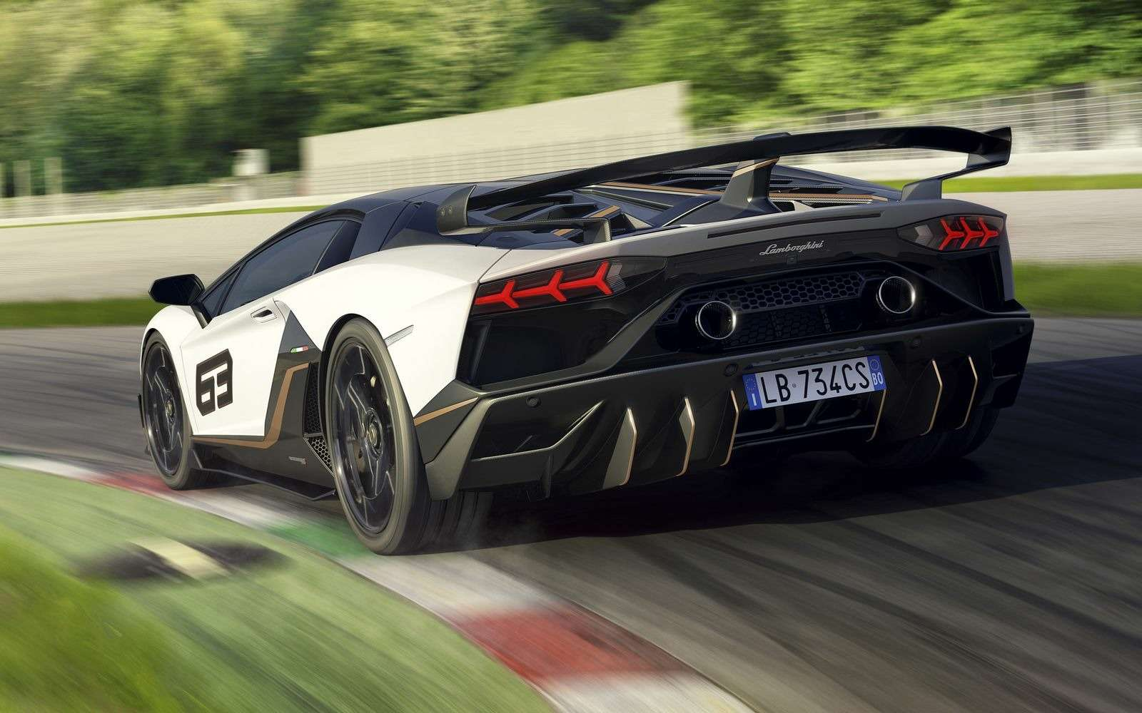 Lamborghini представила самый быстрый суперкар всвоей истории— фото 898569