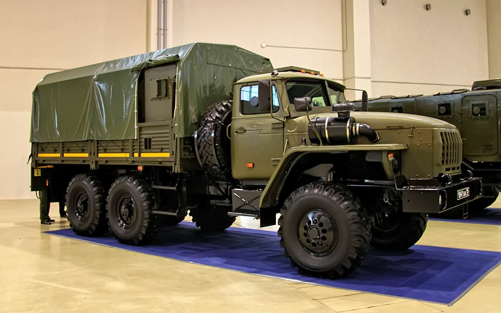Бронированный автомобиль Урал-4320 Федерал