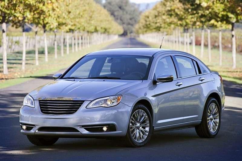 Chrysler-200_2011_1600x1200_wallpaper_06