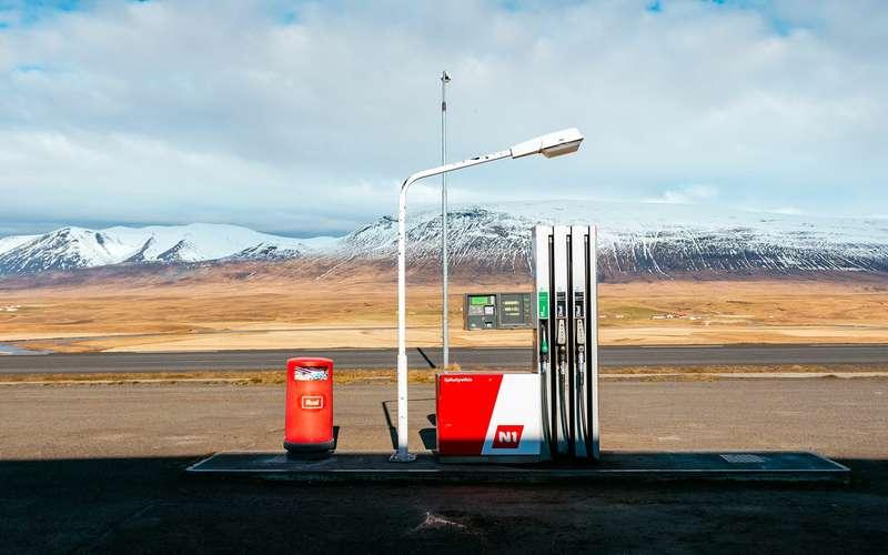 Бензин стал дешевле, нотолько недляобычных водителей
