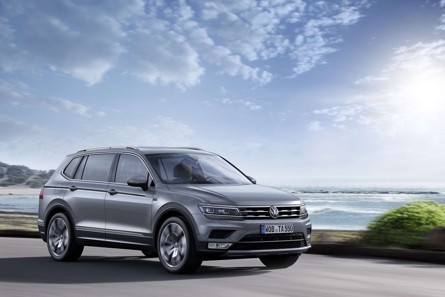 Беззнака равенства: Volkswagen Tiguan Allspace докатился доЕвропы— фото 716728