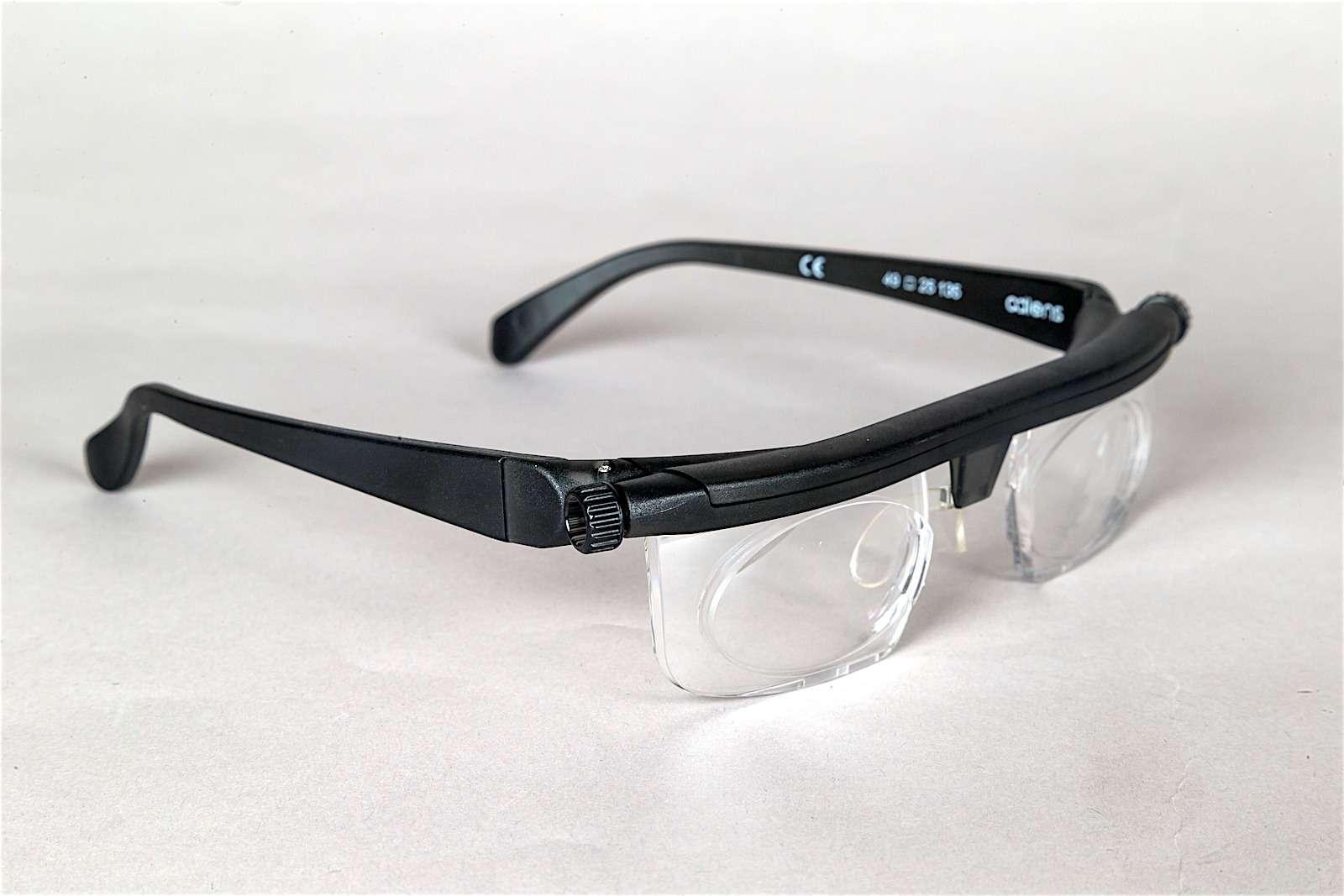 Регулируемые очки Adlens Emergensee: игрушка или полезная вещица дляводителей?— фото 586444