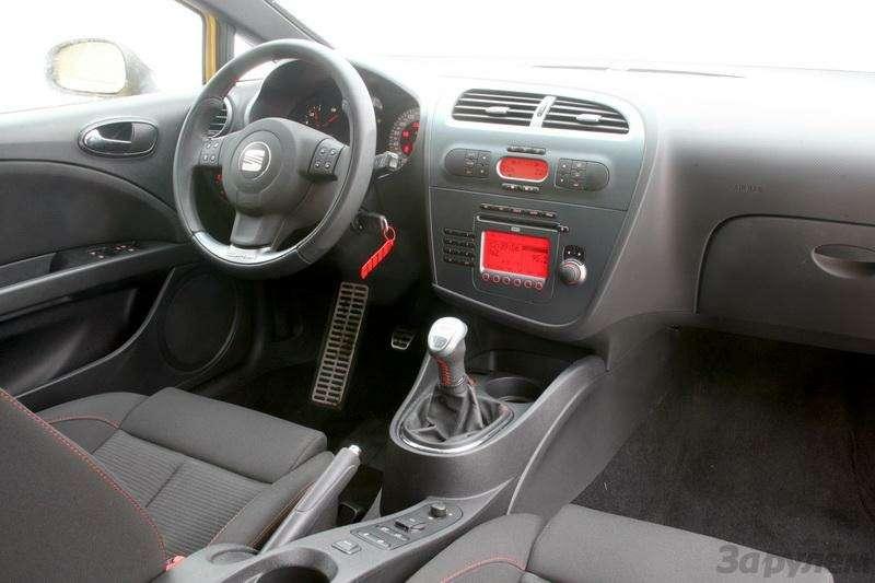 Seat Leon Cupra, Ford Focus ST: Надва лица (ВИДЕО)— фото 92016