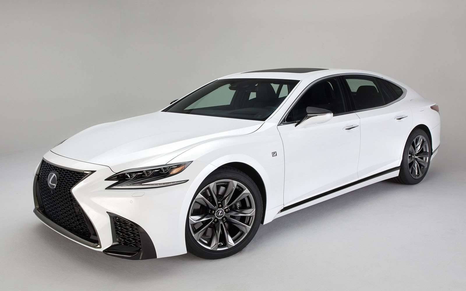 Lexus подготовил свой ответ «шестисотому»— фото 800915