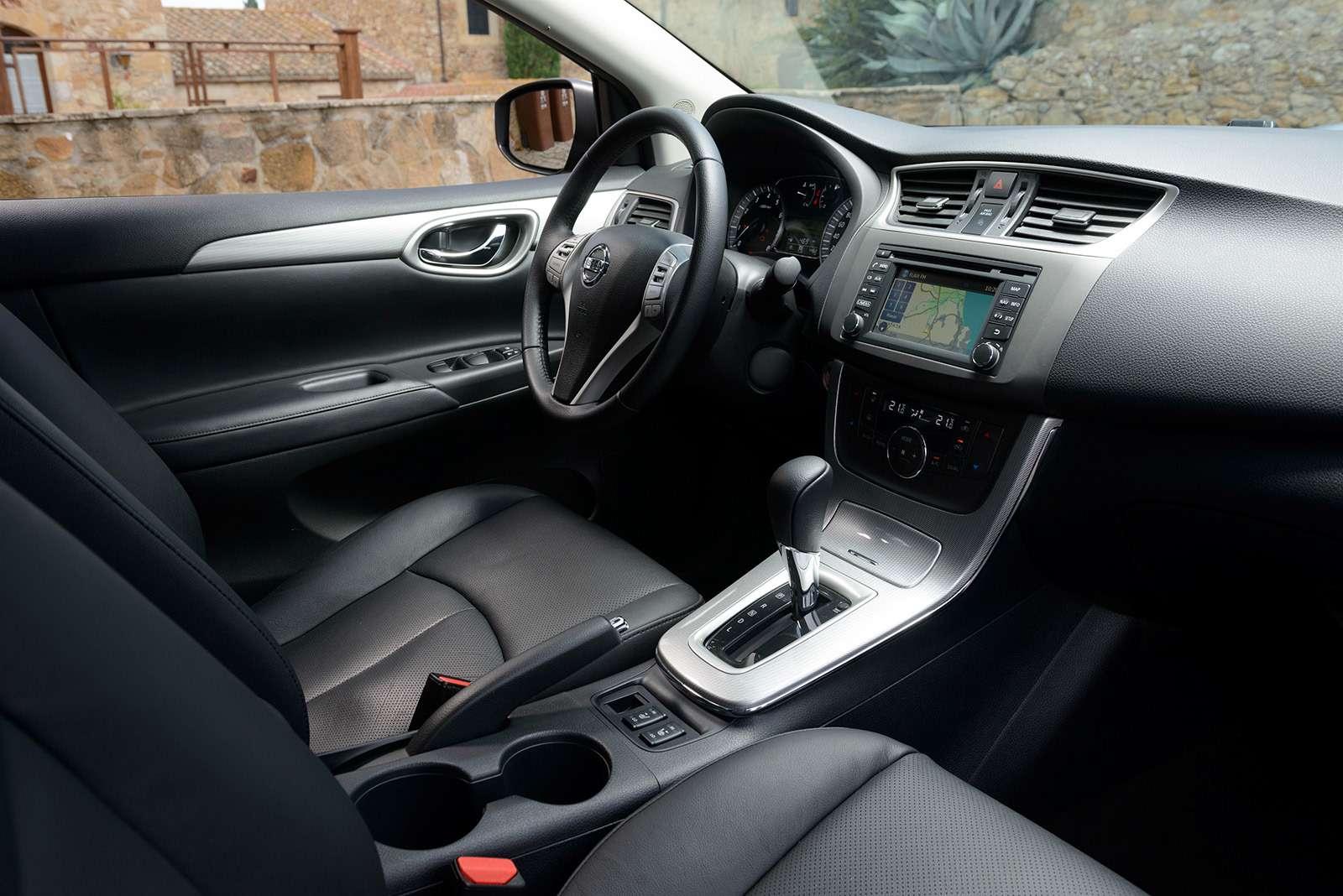 Двемодели Nissan ушли сроссийского рынка. Какие ипочему?— фото 817277