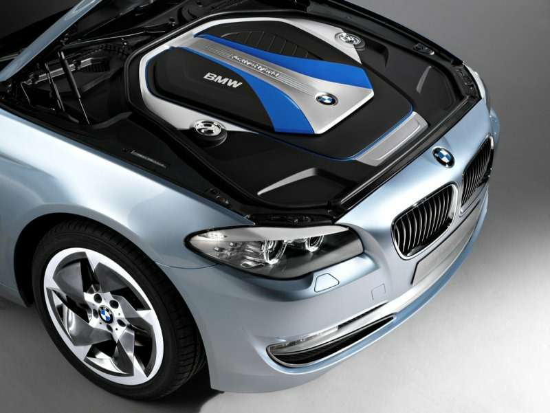 "BMW 5-Series Hybrid ""plug in"" стартует в Шанхае"