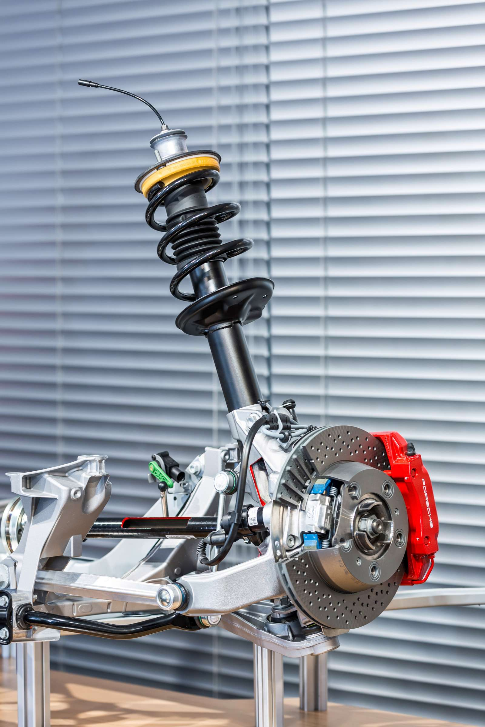 Изучаем новый Porsche 718 Boxster: сердце нараспашку— фото 574118