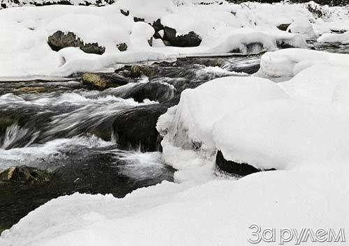 Лыжи накрыше лежат— фото 32328