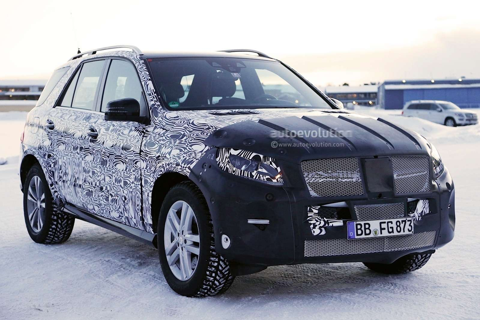 2015 mercedes benz m class facelift spied in lapland photo gallery 1080p 10 no copyright