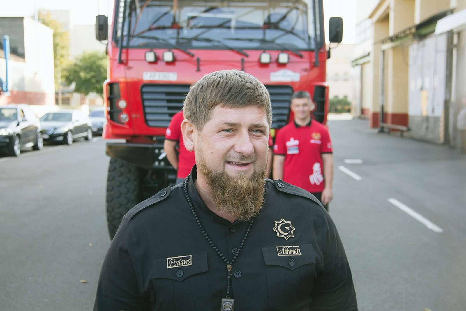 Рамзан Кадыров протестировал гоночный грузовик— фото 798436