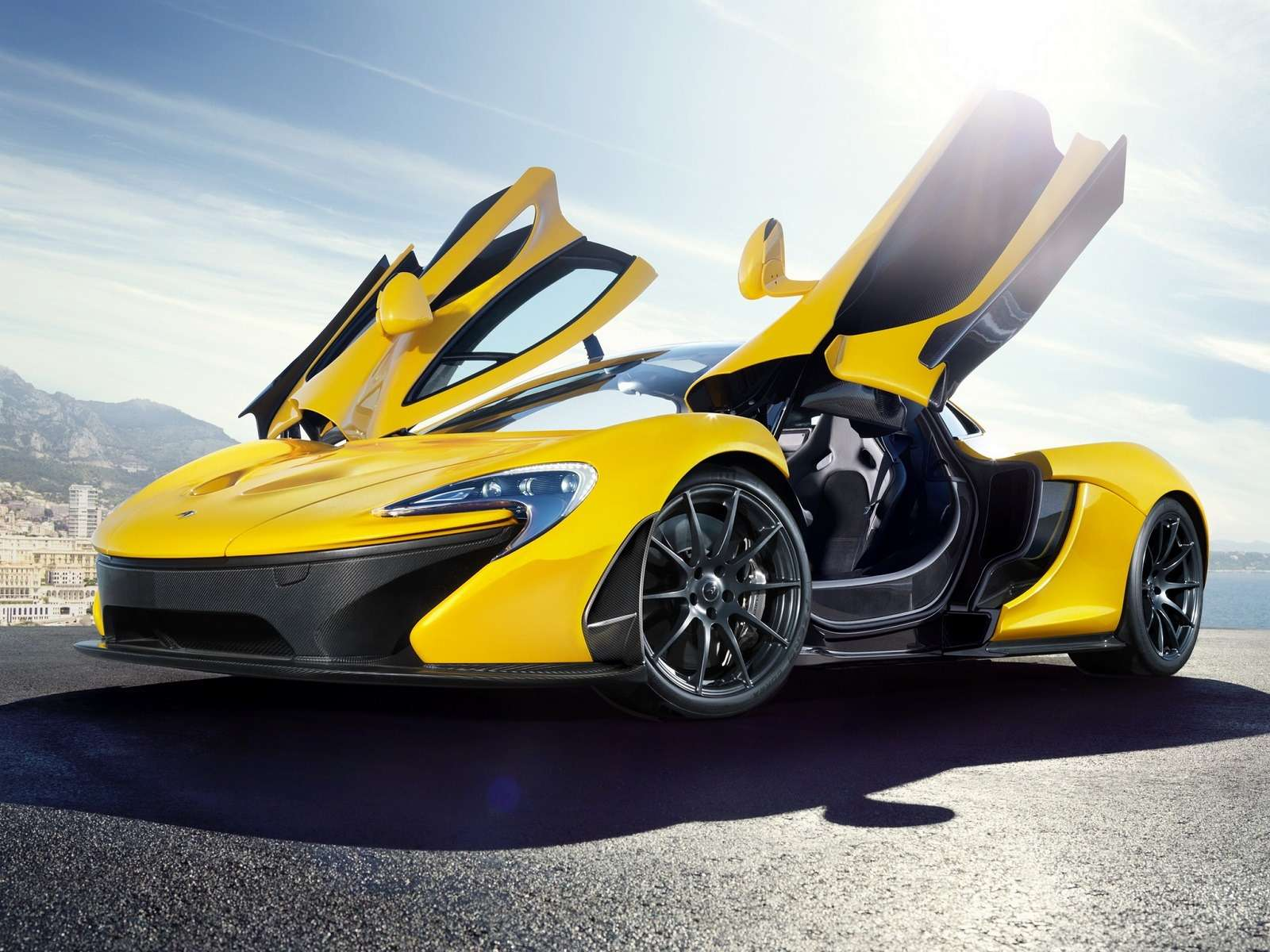 Владелец суперкара McLaren вСША попал вДТП сразу после покупки— фото 362621