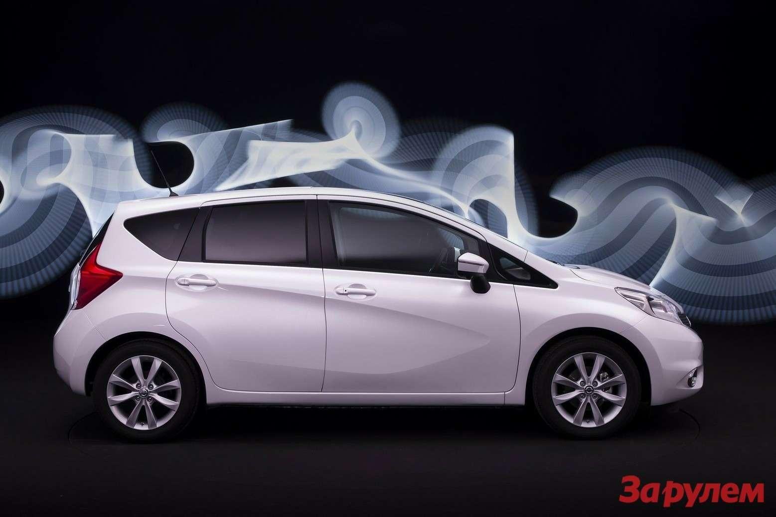 Nissan-Note_2014_1600x1200_wallpaper_05