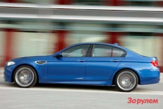 BMWM5side view