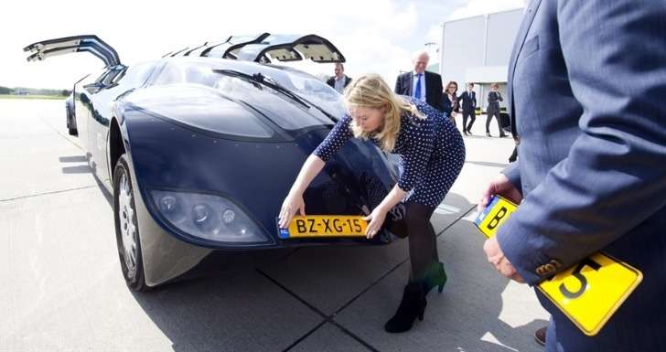 dutch-superbus-is-now-road-legal-45493-7