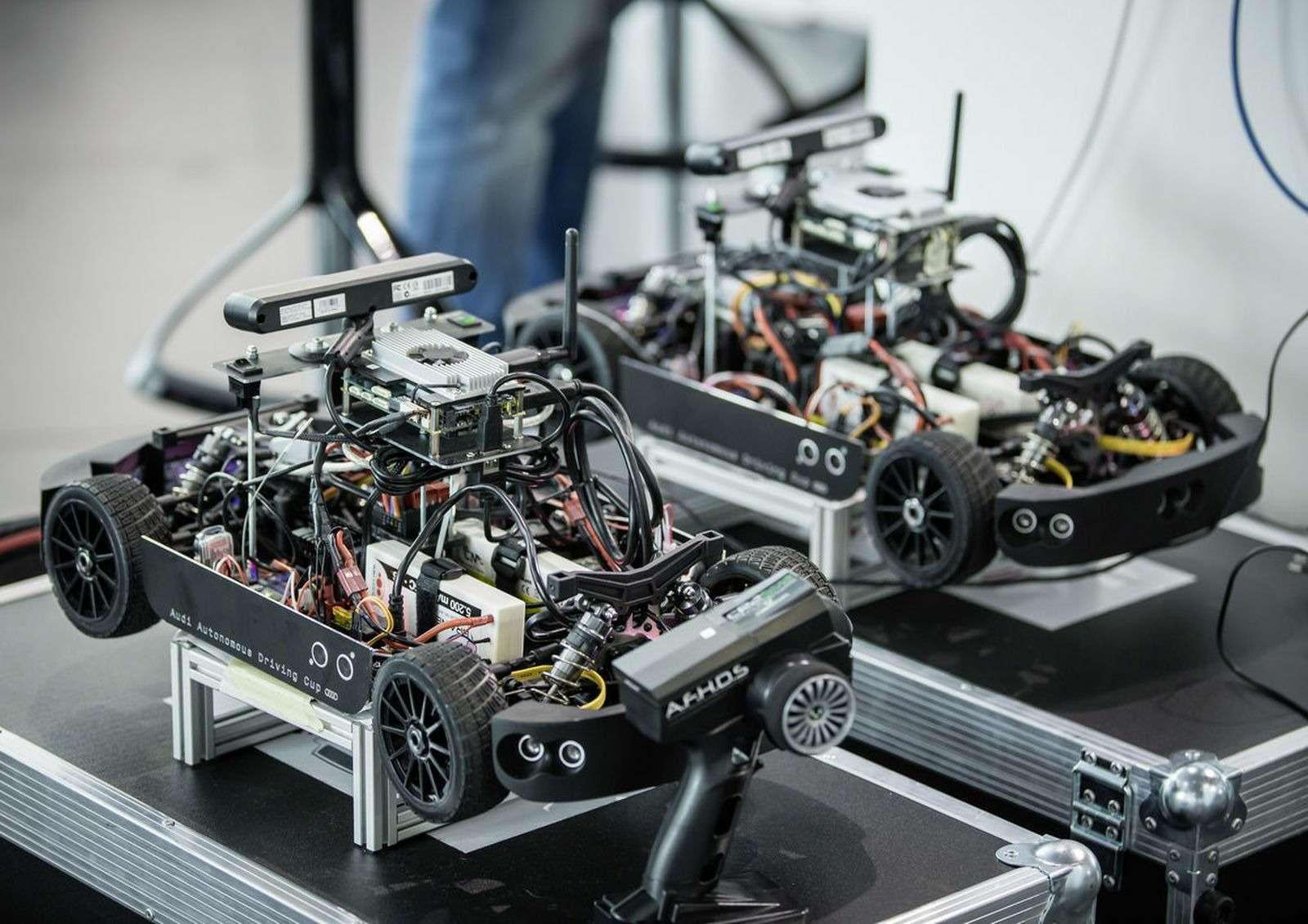Роботы вместо футболистов, или Как водителей оставят без руля— фото 574754