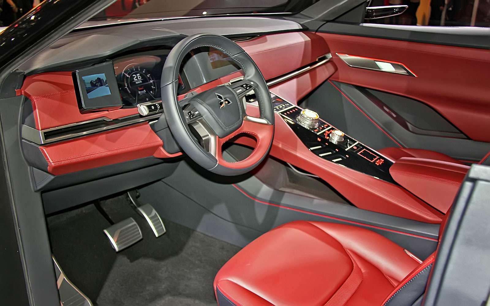Метеозависимый: Mitsubishi рассказала оталантах вседорожника GT-PHEV— фото 641479