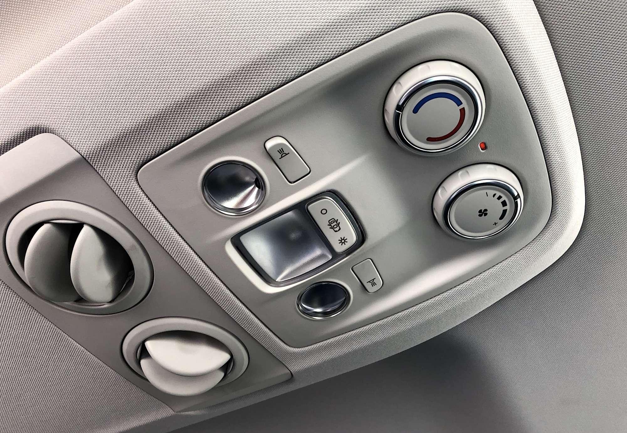 Peugeot Traveller VIP Business: сообразим насемерых?— фото 905213