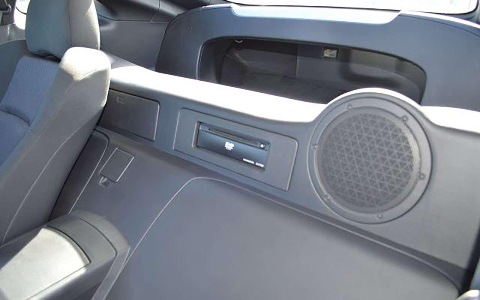 Напродажу выставлен первый экземпляр купе Nissan 350Z— фото 789582