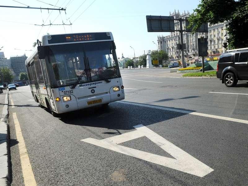 Автобусы будут фиксировать выезд на«выделенки» в2015 году