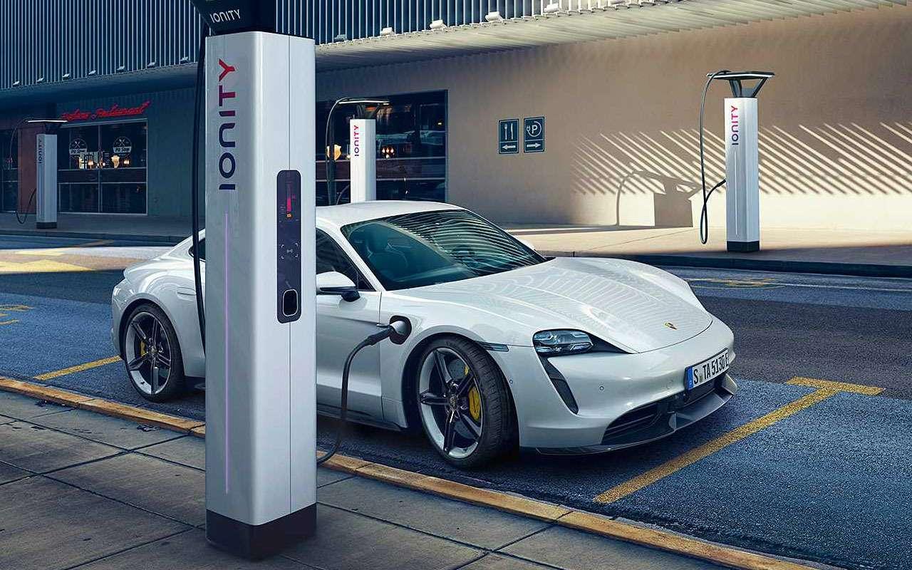 Porsche, как удар током— представлен новый Taycan— фото 994937