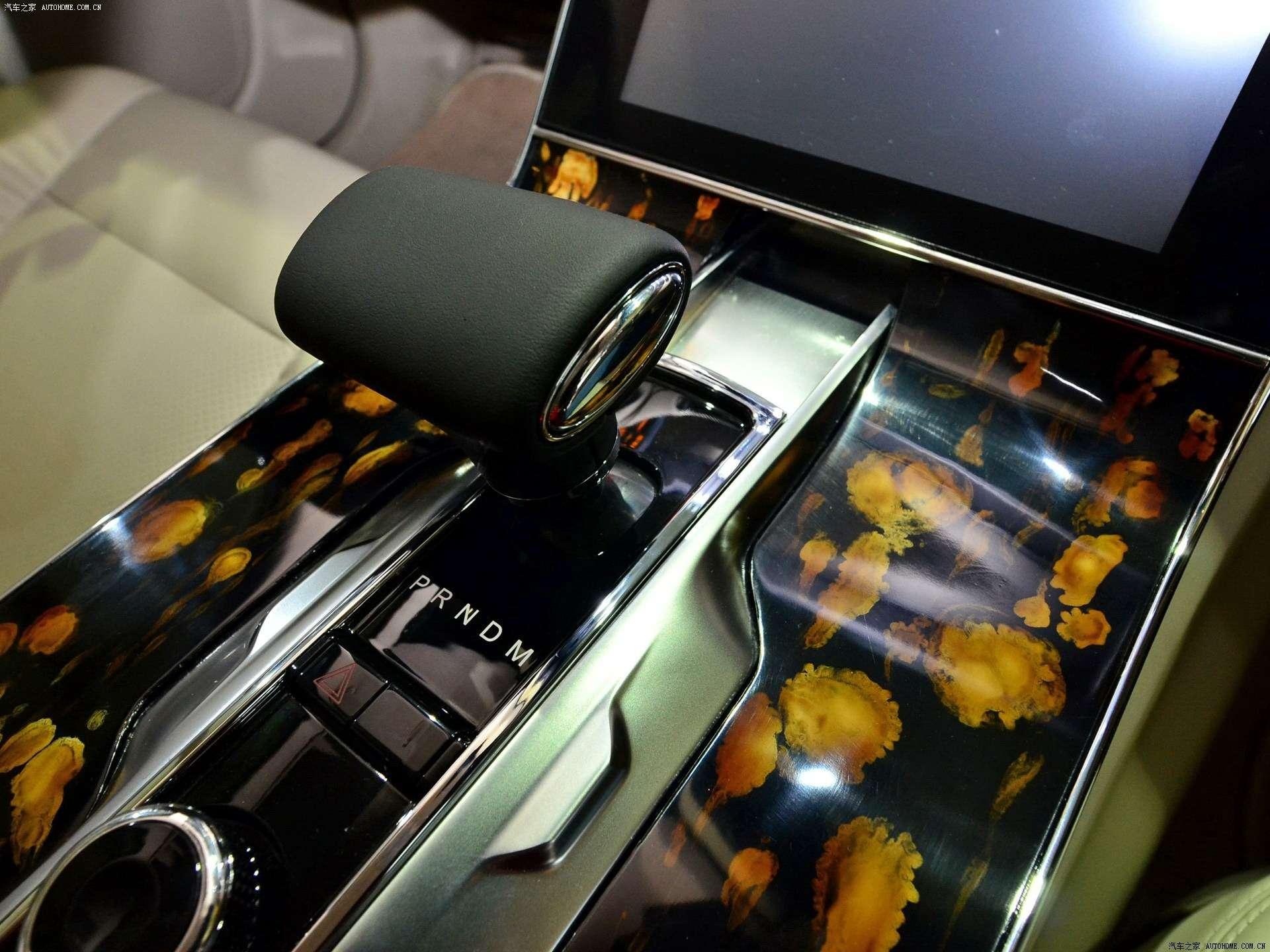 Дороже S-класса: самый крутой китайский седан поступил впродажу— фото 825597