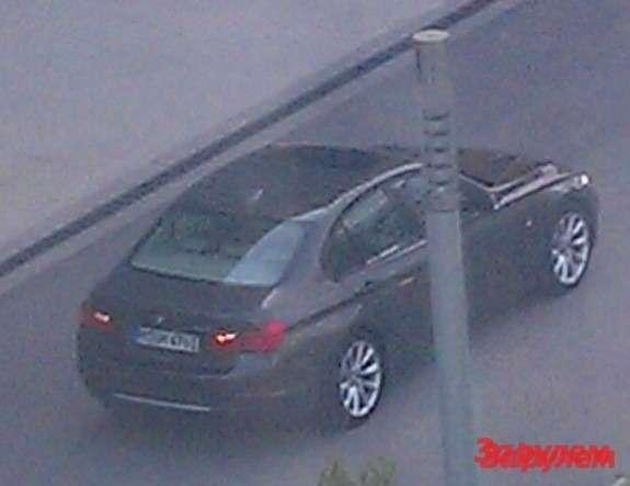 BMW3-Series top-rear view
