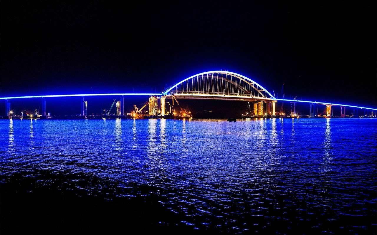 Полная иллюминация! НаКрымском мосту протестировали ночную подсветку— фото 866649