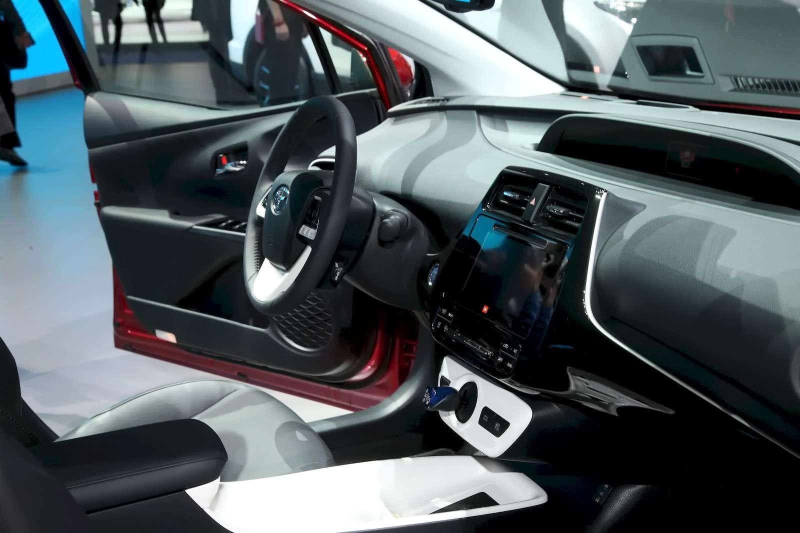 Toyota_Prius_12