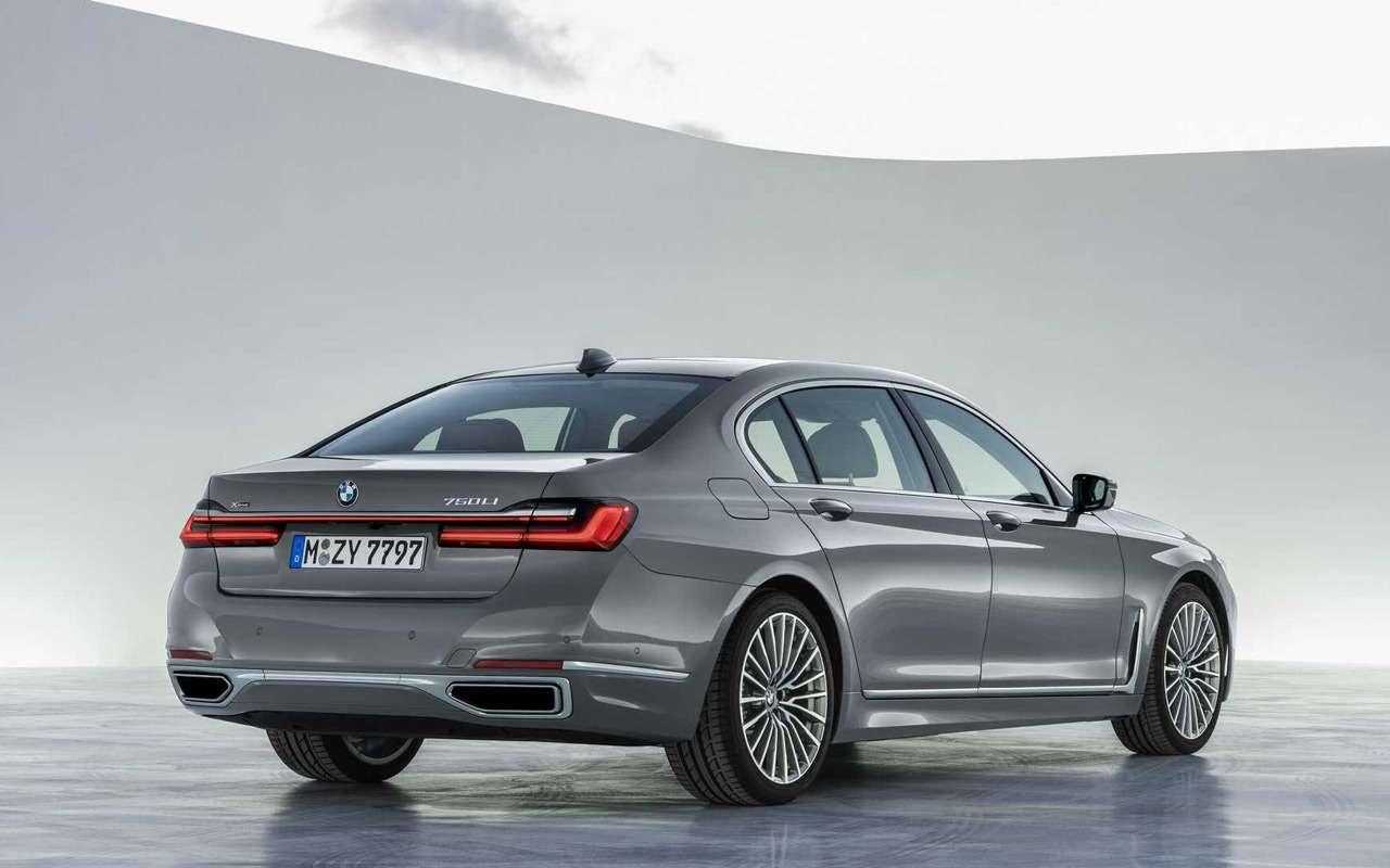 Обновленная «семерка» BMW: огромные ноздри ифары как уX7— фото 940655