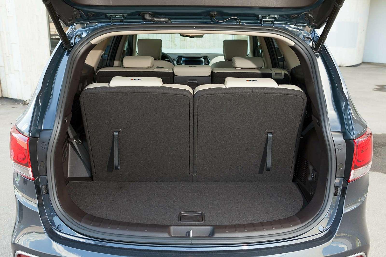 Обновленный Hyundai Grand Santa Fe: первый российский тест-драйв— фото 593808
