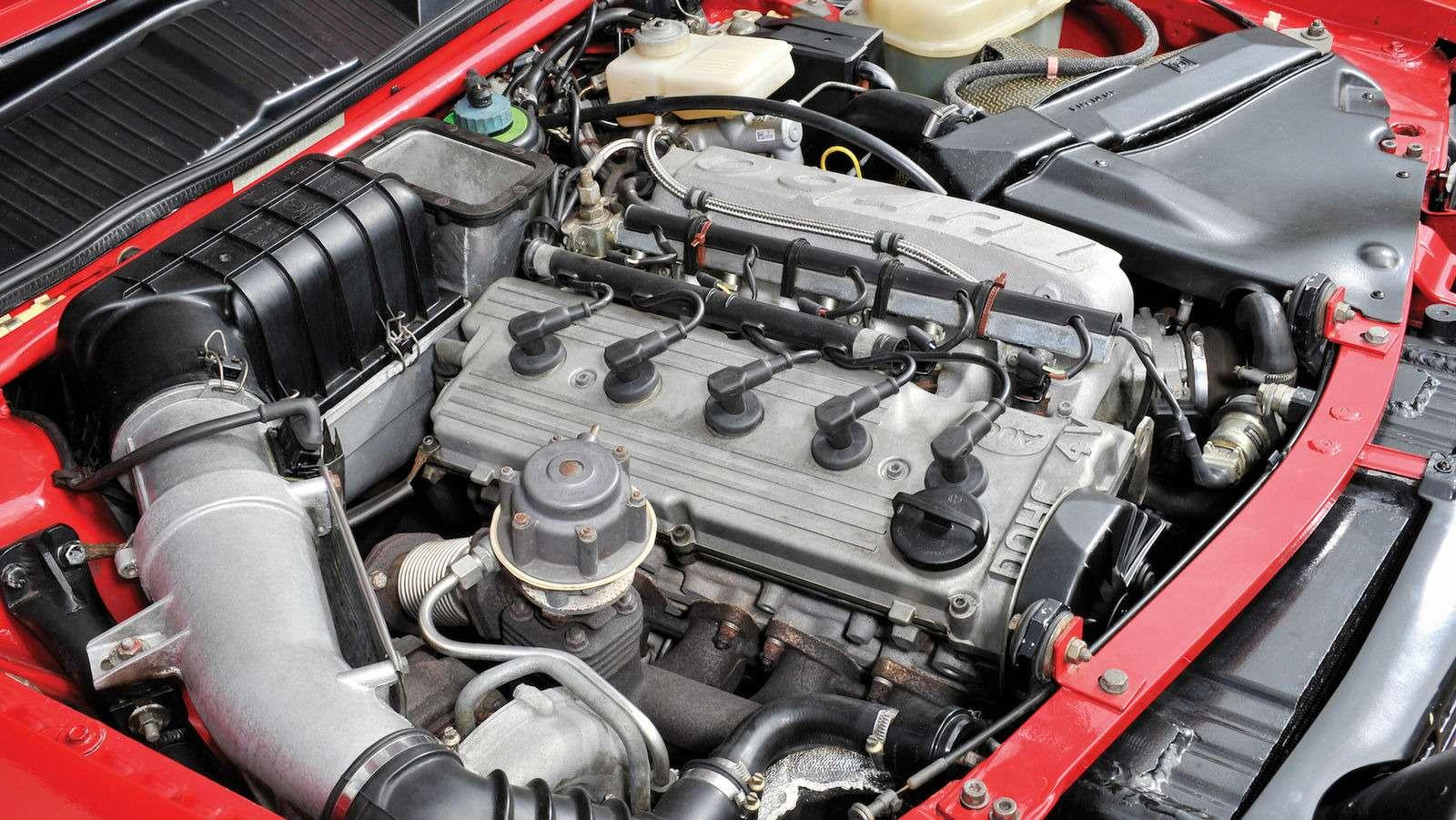 Драгоценный коротыш: легендарный Audi Sport quattro продан забешеные деньги— фото 632257