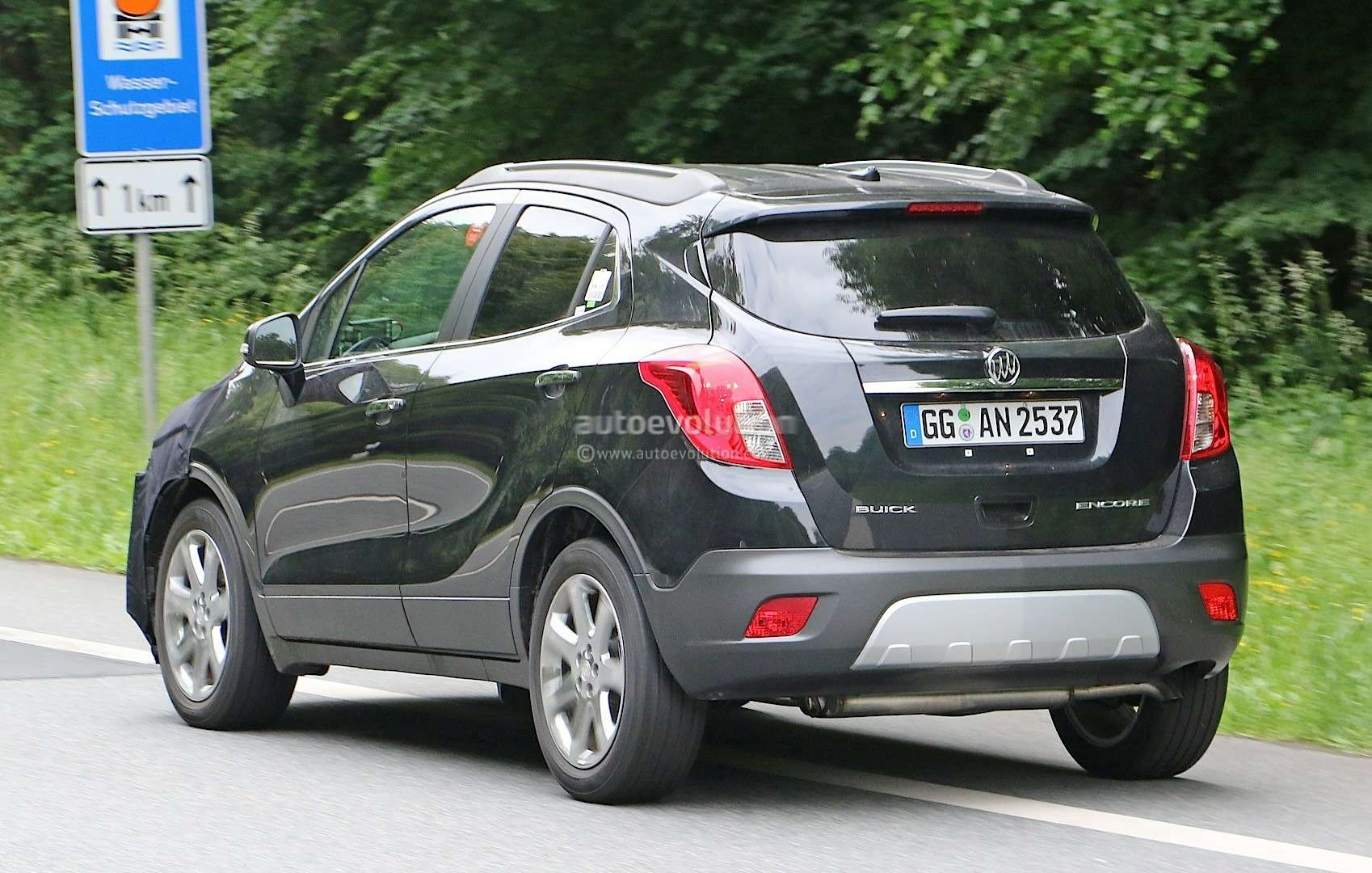 2017-buick-encore-spied-in-germany-photo-gallery_8
