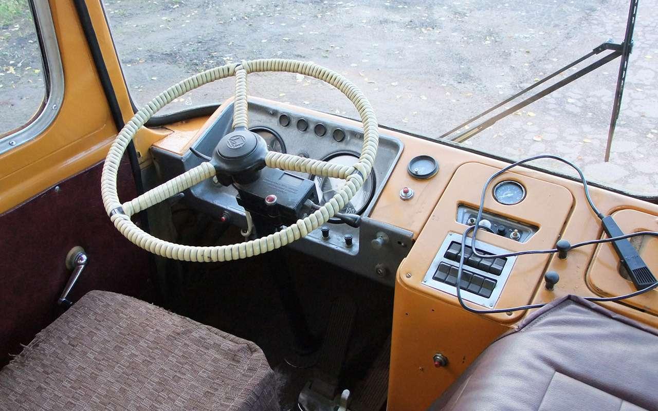 12наших машин савтоматом— вызнали, что ихтак много?— фото 1000390