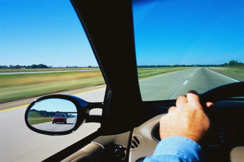 driver-in-the-car_44