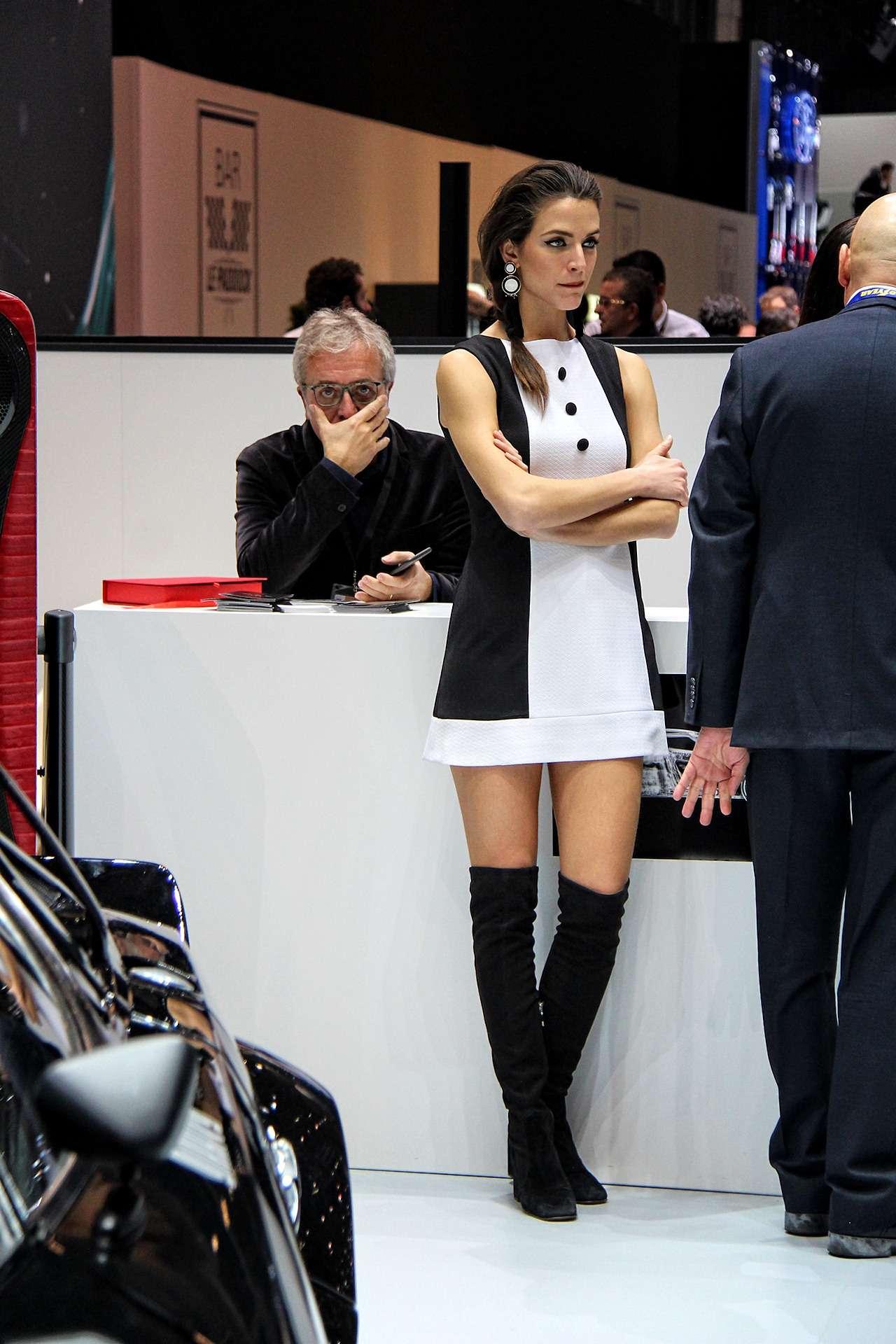 Самые красивые девушки Женевского автосалона— фото 851216