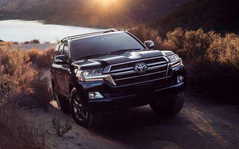 Toyota Land Cruiser отказывается отсамых мощных двигателей