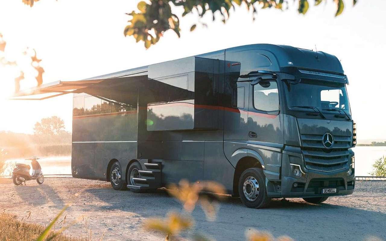 Самый роскошный автодом Мерседес сгаражом-трансформером— фото 1272790