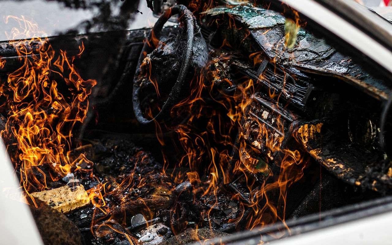 20причин, почему машина может загореться— фото 911447