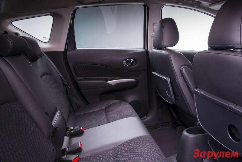 Nissan-Note_2014_1600x1200_wallpaper_18