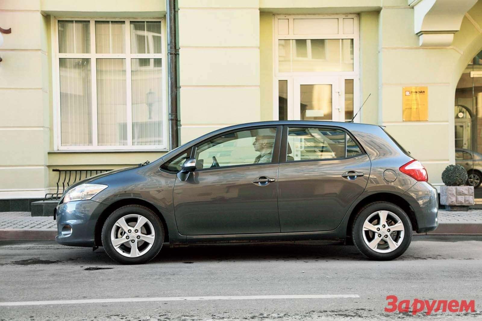 «Тойота-Аурис», от599000 руб.