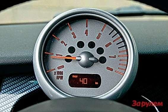 Наотметке 4000 оборотов мотор буквально оживает инескисает досамой отсечки.