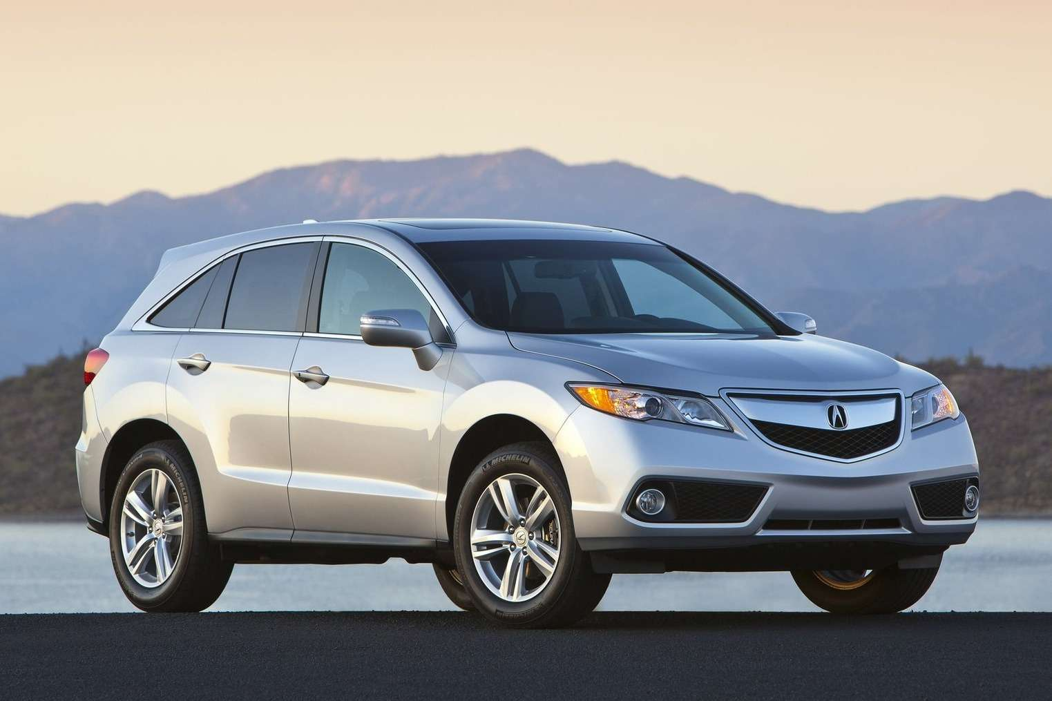 Acura-RDX_2013_1600x1200_wallpaper_04