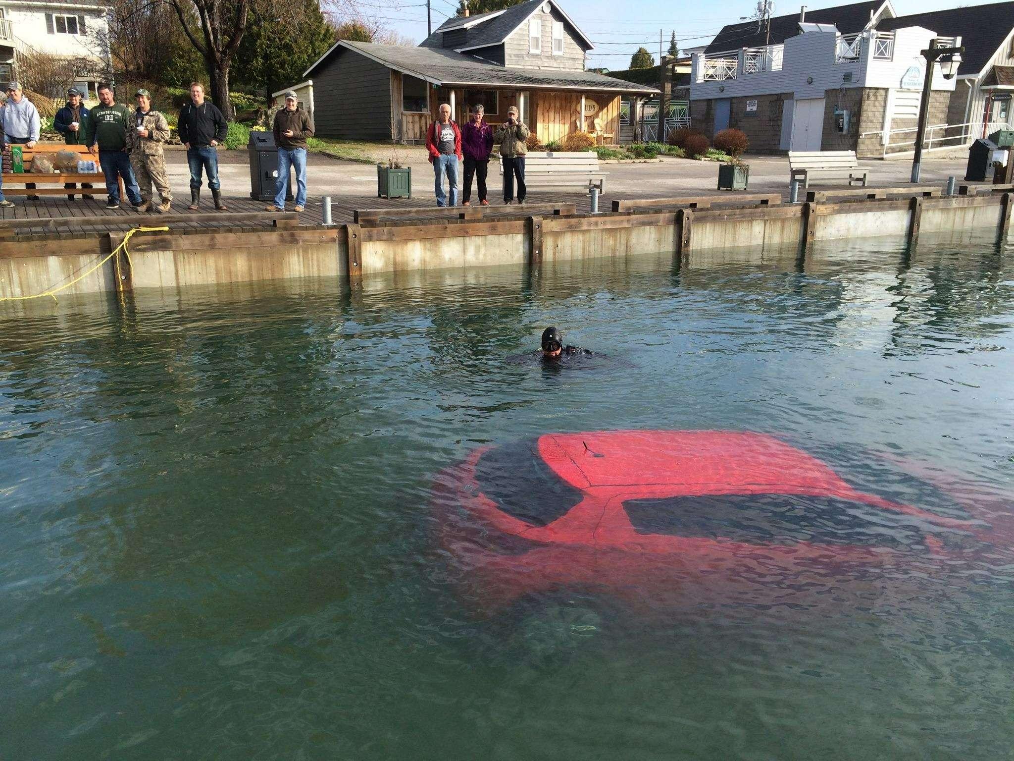 Автомобиль отправили возеро согласно рекомендации навигатора— фото 588845